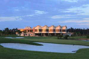 sân golf cửa lò