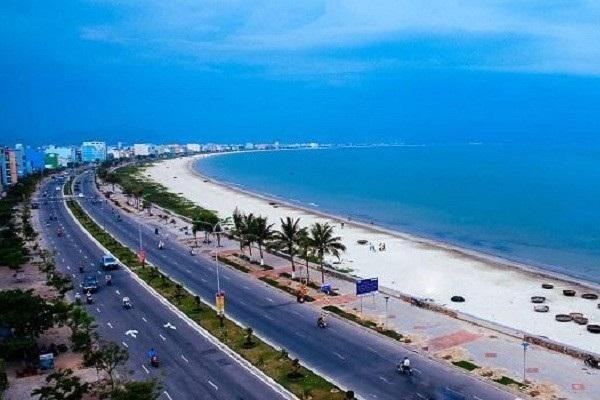 Dọc đường bờ biển Sầm Sơn